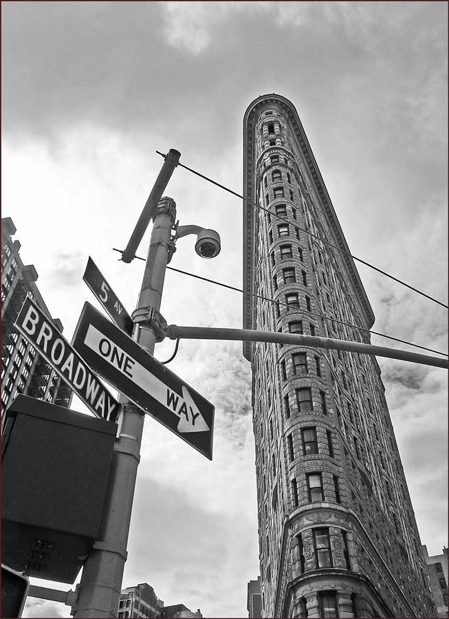 """фото """"На перекрестке"""" метки: черно-белые, фрагмент, Нью-Йорк"""