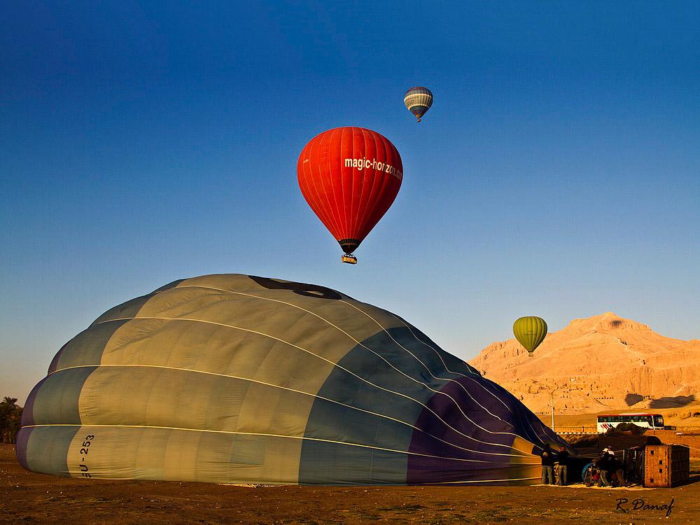 """photo """"Hot air balloon 03"""" tags: travel, genre,"""