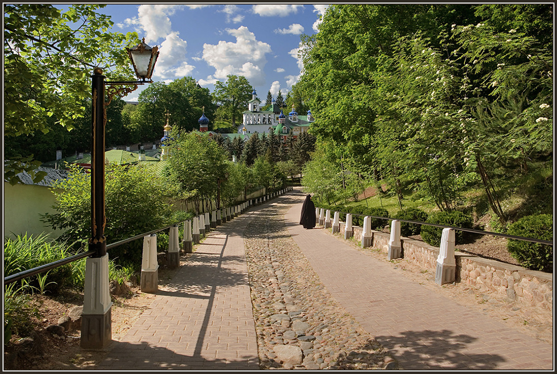 "photo ""In Pskov-Pechersk Lavra"" tags: landscape, architecture,"