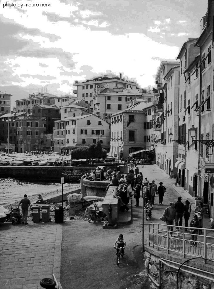 "photo ""bw in Nervi, Genoa: the little harbour"" tags: landscape,"
