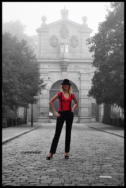 """фото """"Bорота a девушка"""" метки: черно-белые, фотомонтаж, Prag, Praha, Прага"""