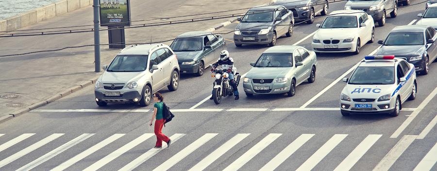 "фото ""Семеро одного ждут"" метки: стрит-фото, Город, авто-мото, люди, улица"