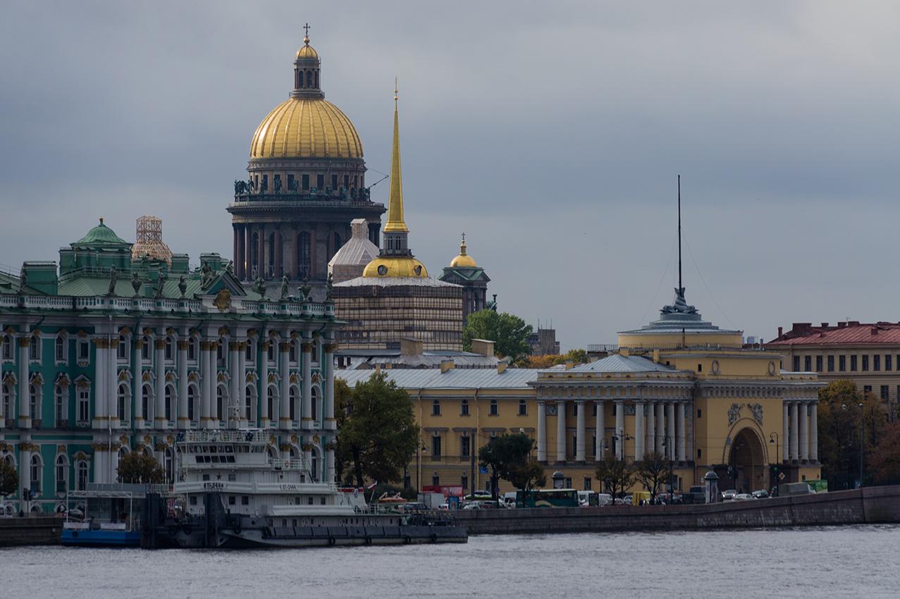 "фото ""***"" метки: архитектура, город, пейзаж, вода, здание, облака, осень, река, храм"