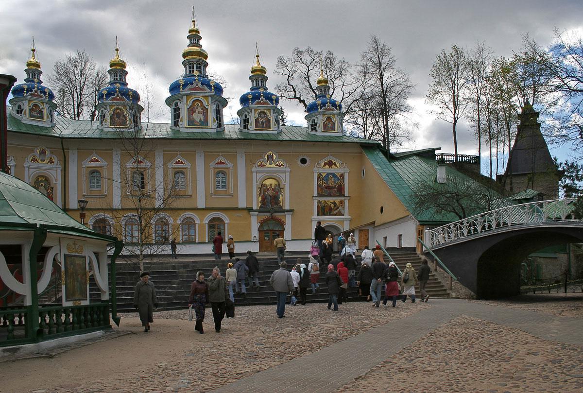 """фото """"В Псково-Печорском монастыре"""" метки: ,"""