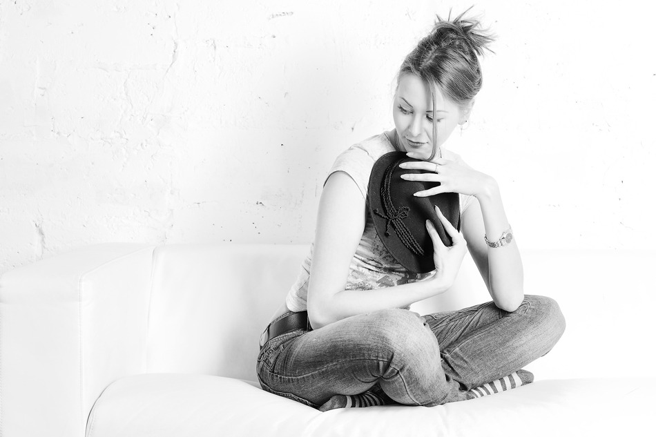 "photo ""Студийное...."" tags: black&white, portrait, girl, studio, Светлый ключ"