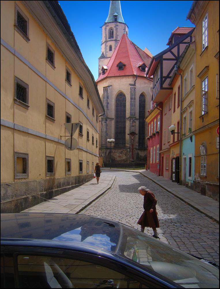 """фото """"Улочки Хеба"""" метки: пейзаж, архитектура, стрит-фото, авто, здания, прохожие"""