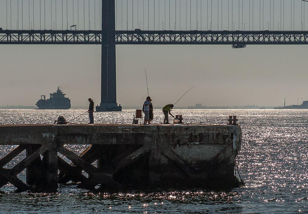 "photo ""Rod & Reel Time"" tags: landscape, architecture, sport, Europe, Lisbon harbour, portugal"