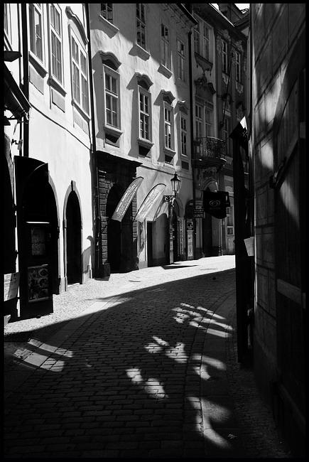 "фото ""Улочка"" метки: черно-белые, Prag, Praha, Прага"