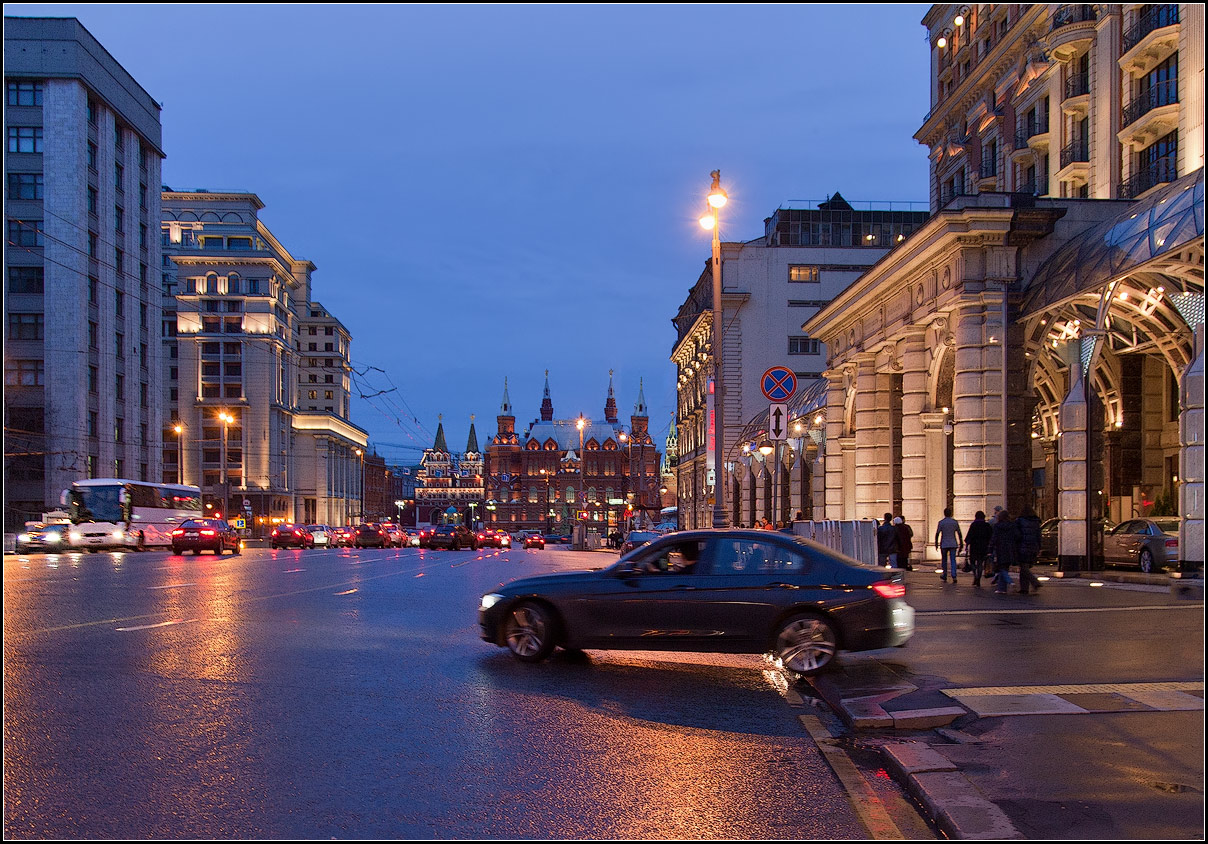 "photo ""Moscow night"" tags: street, city,"
