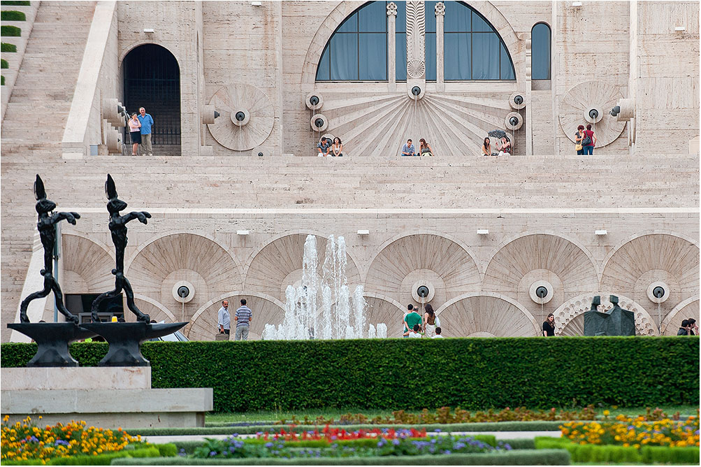 "фото ""Ереванские зарисовки"" метки: архитектура, город,"