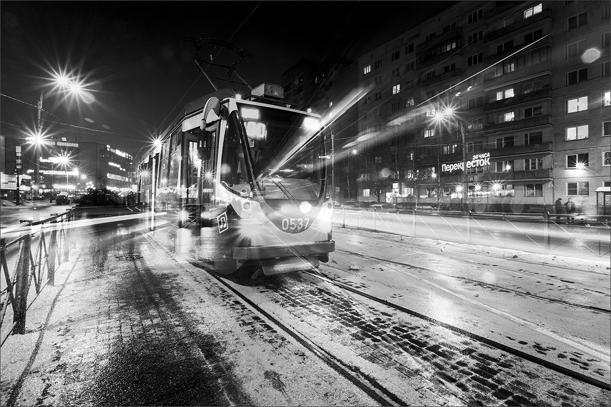 "photo ""***"" tags: city, black&white, montage, St. Petersburg, winter"