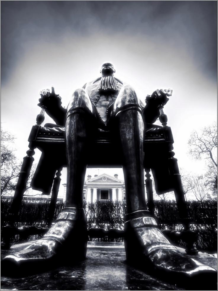 """фото """"Пёрт1 (Шемякин)"""" метки: архитектура, черно-белые, жанр, Санкт-Петербург"""