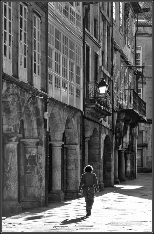 "photo ""Two shadows"" tags: architecture, black&white,"