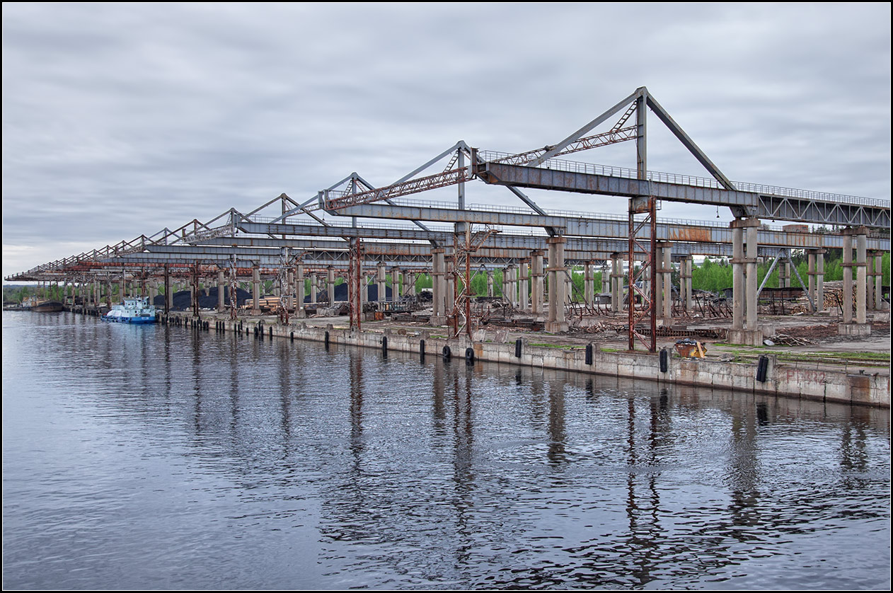 """photo """"cargo port on the river Svir"""" tags: misc., travel, Karelia, reflections, river, свирь"""