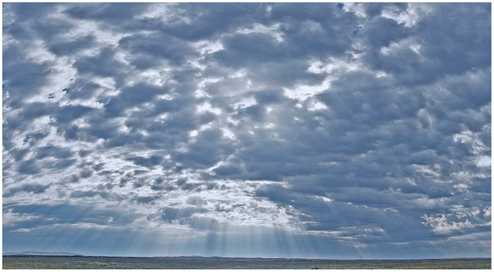 """фото """"Солнечный дождь."""" метки: пейзаж, природа, Азия, Казахстан, дождь, небо, облака, степь"""