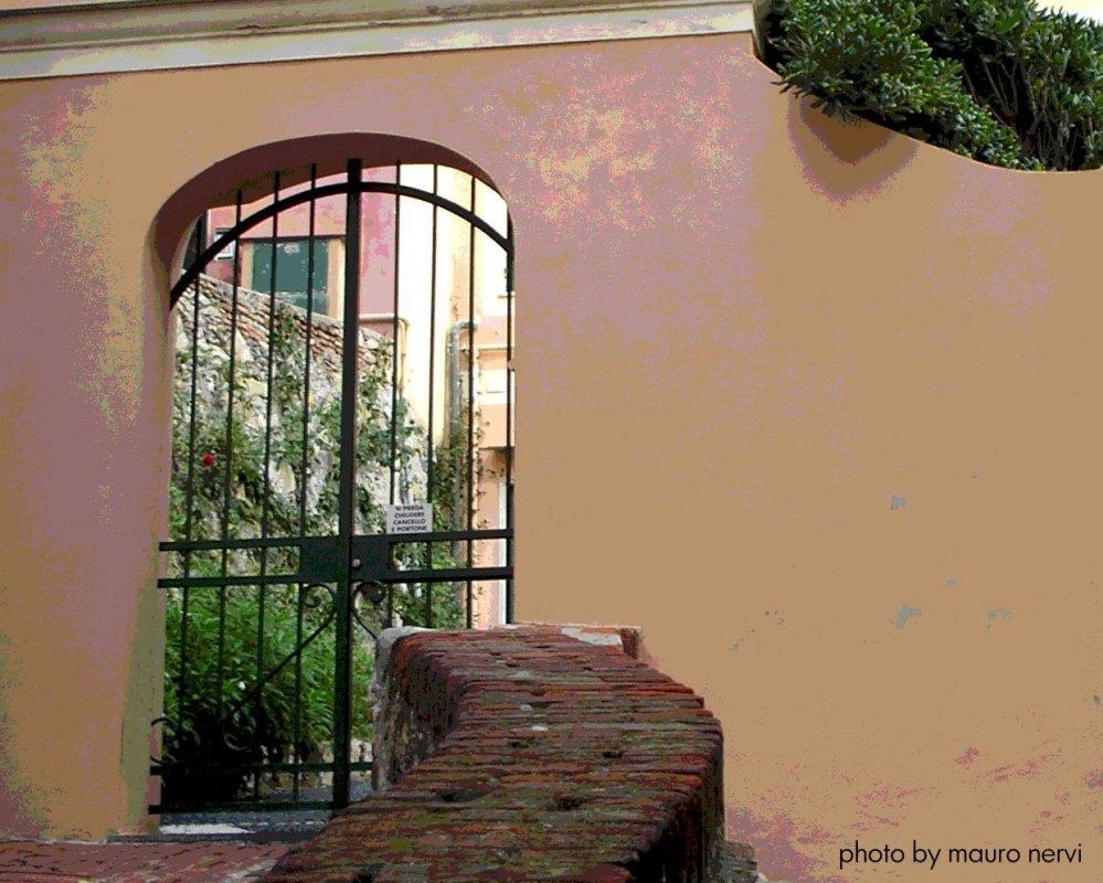 """фото """"a Genoa's corner, on the road"""" метки: пейзаж,"""