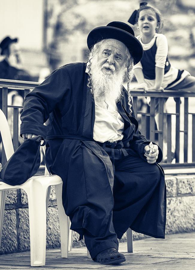 "фото ""У Стены Плача"" метки: жанр, стрит-фото, черно-белые, Hasid, Photographer Jerusalem, Wailing Wall, Иерусалим, Стена Плача Иерусалим See God, стена Плача"
