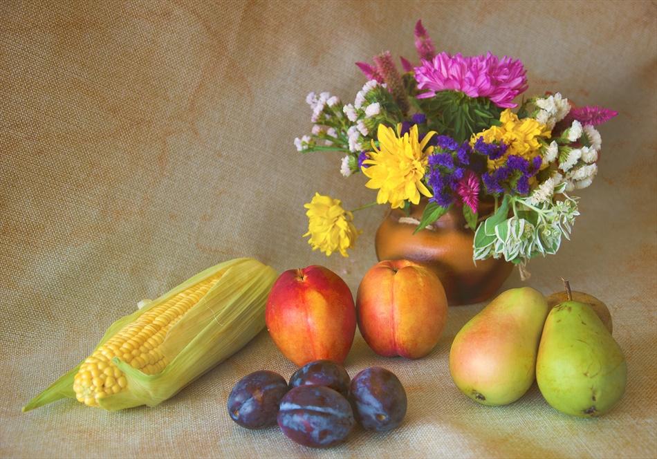"фото ""***"" метки: натюрморт, фрукты, цветы"