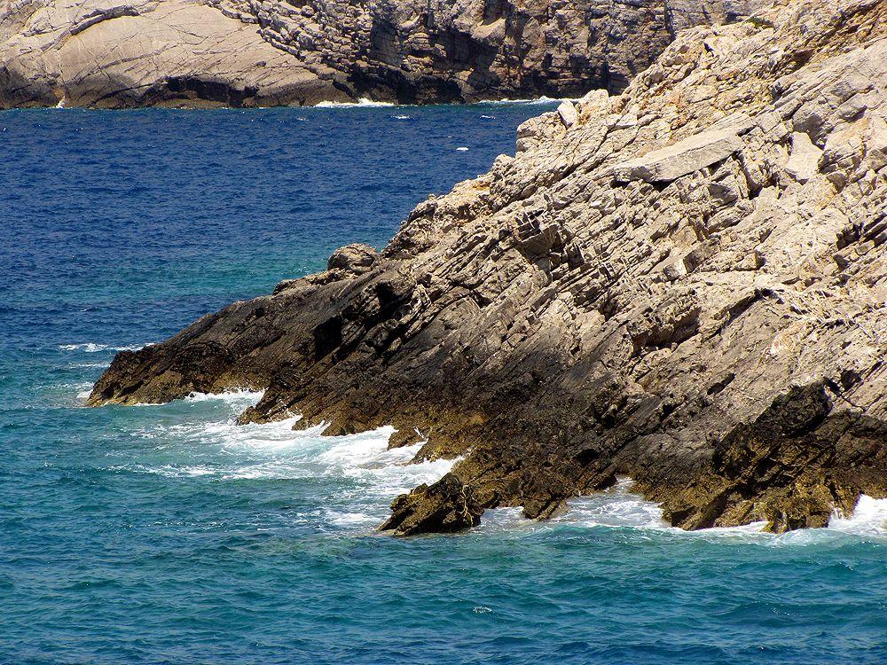 """фото """"Скалы"""" метки: пейзаж, природа, вода, море, прибой, скалы"""