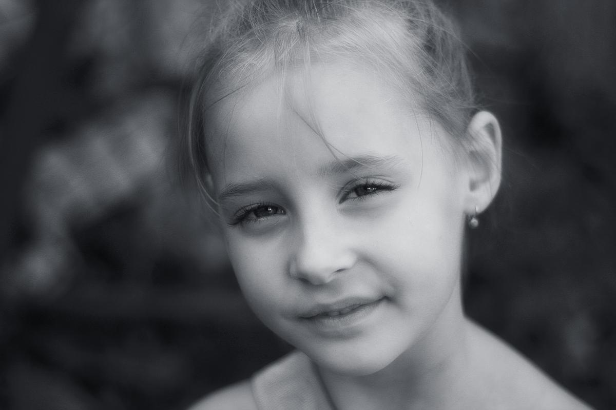 "photo ""***"" tags: portrait, black&white, дети лето радость"