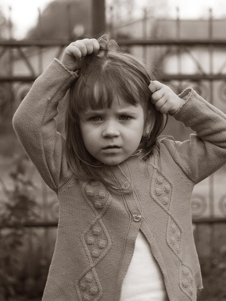 """фото """"Прическа"""" метки: портрет, черно-белые, дети лето радость волосы приче"""