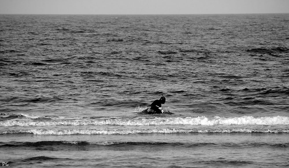 "фото ""приплыл."" метки: жанр, разное, море, мужчина"