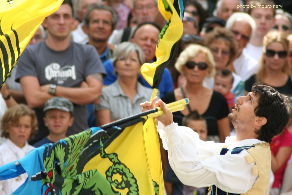 "фото ""historical procession, flags"" метки: репортаж,"