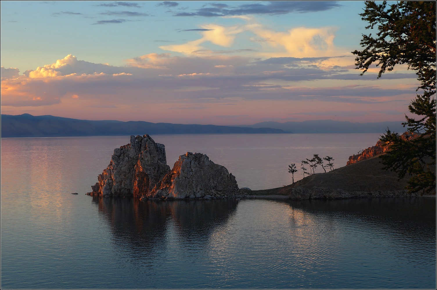 "фото ""Предзакатное....скала Шаманка...Ольхон"" метки: пейзаж, Байкал, Ольхон"