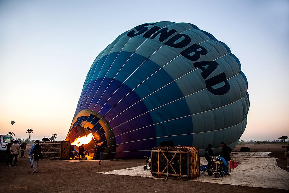 """photo """"Sindbad"""" tags: travel, reporting, Balloon preparation"""