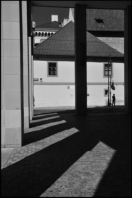 """фото """"Cтолбы, свет и тени"""" метки: подводные, Prag, Praha, Прага"""