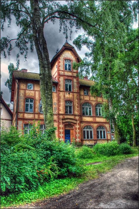 "фото ""Старый двор"" метки: архитектура, путешествия, город, двор, дом, светлогорск, старый"