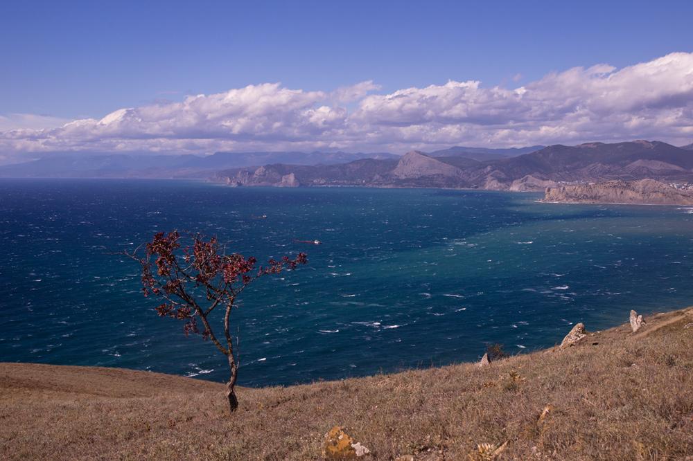 """фото """"Wind"""" метки: пейзаж, путешествия, природа, beach, sea, wind, Крым, вода, облака, скалы"""
