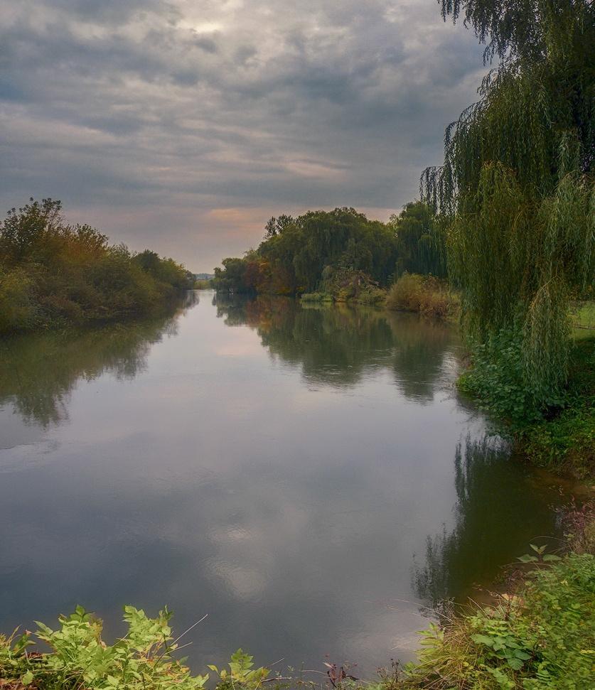 """фото """"Сентябрь..."""" метки: пейзаж, природа, осень, река, тучи"""