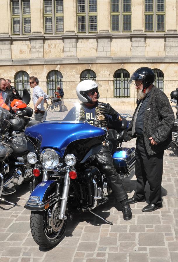 """фото """"на мотопараде Харлеев"""" метки: стрит-фото, Гент, люди, мотоциклы"""