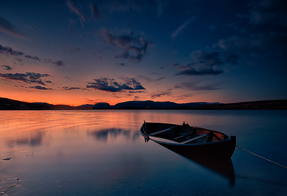 "photo ""The Boat..."" tags: landscape, nature, Europe, lake, mountains, night, sunset, water"