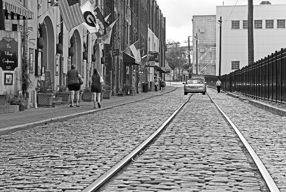"""фото """"Сошёл с рельсов"""" метки: черно-белые, город,"""