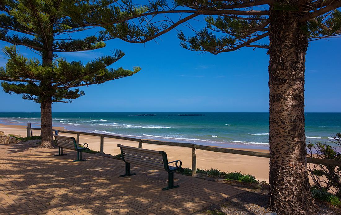 "фото ""Горизонт на двоих"" метки: пейзаж, природа, Sand, beach, blue, grass, ocean, sea, sun, trees, view, waves"