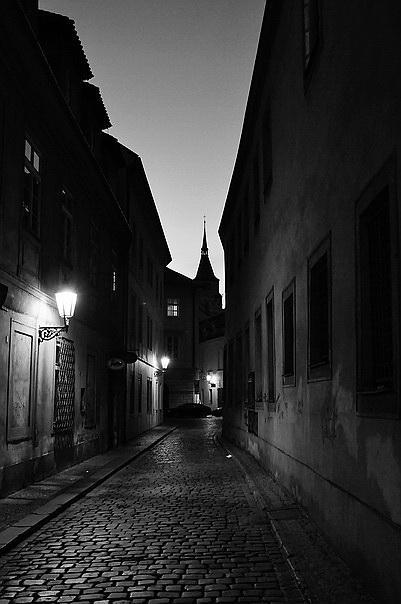 """фото """"Yтренняя улочка-3"""" метки: черно-белые, Prag, Praha, Прага"""