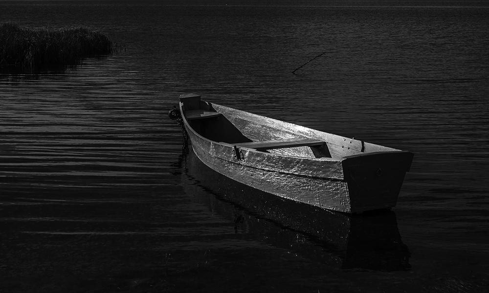 белая лодка автор