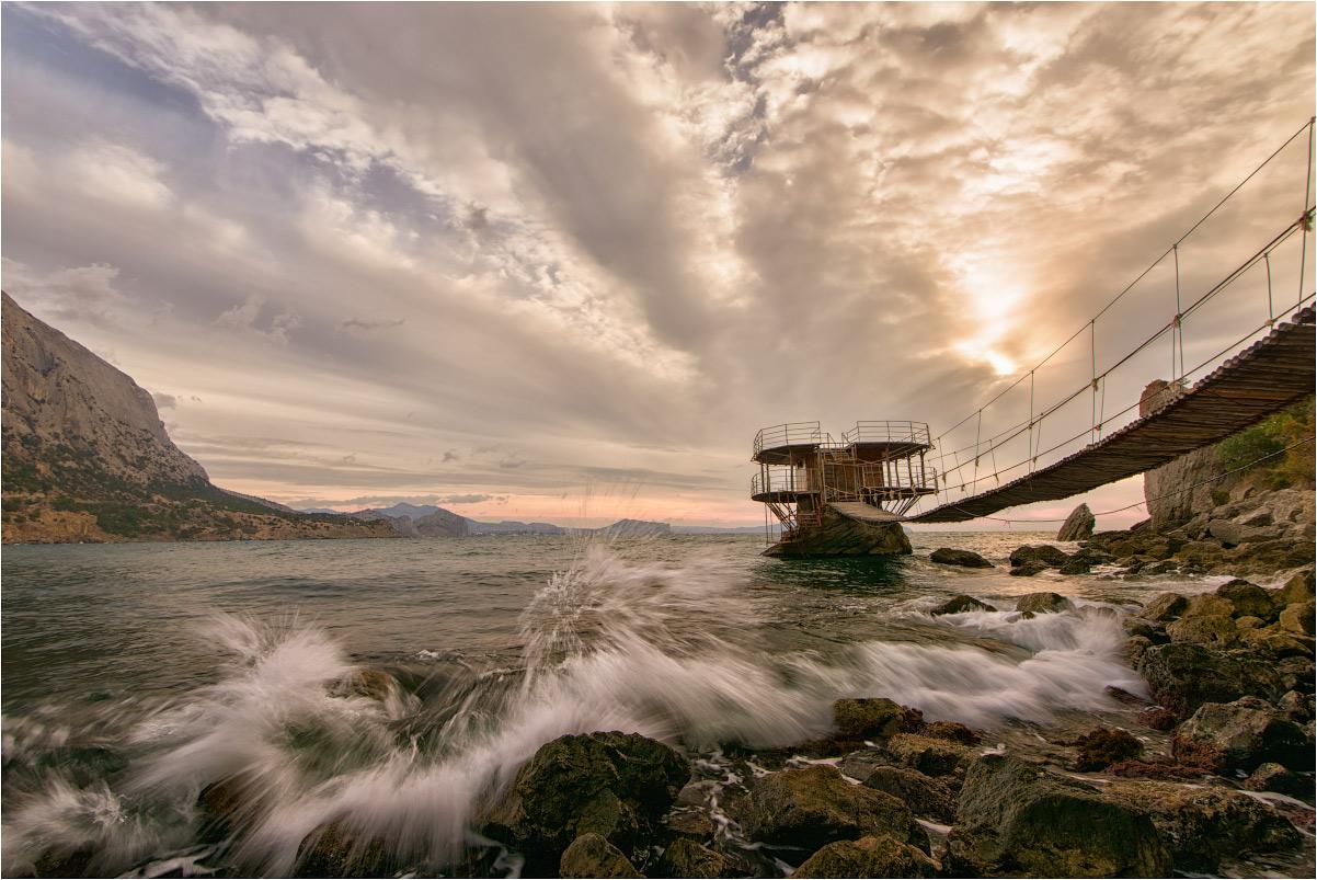 "photo ""***"" tags: landscape, travel, nature, Crimea, autumn, clouds, morning, sea, sky, water, Набережная, волны"