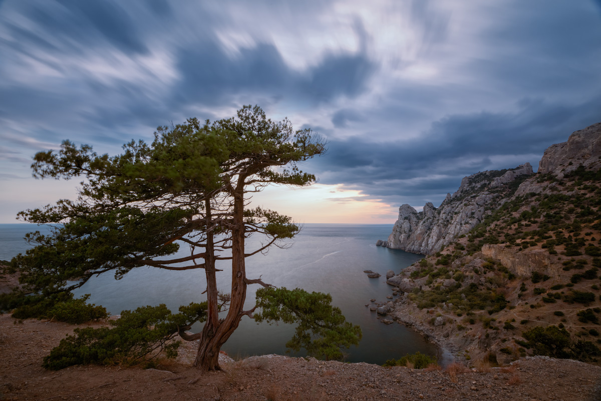 "photo ""***"" tags: landscape, travel, nature, Crimea, Russia, autumn, clouds, mountains, sea, sky, tree, water"