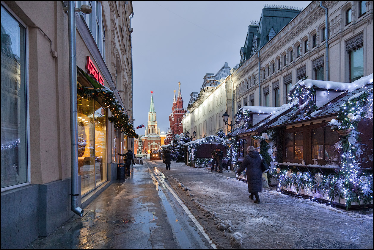 "photo ""New Year's market"" tags: city, architecture,"