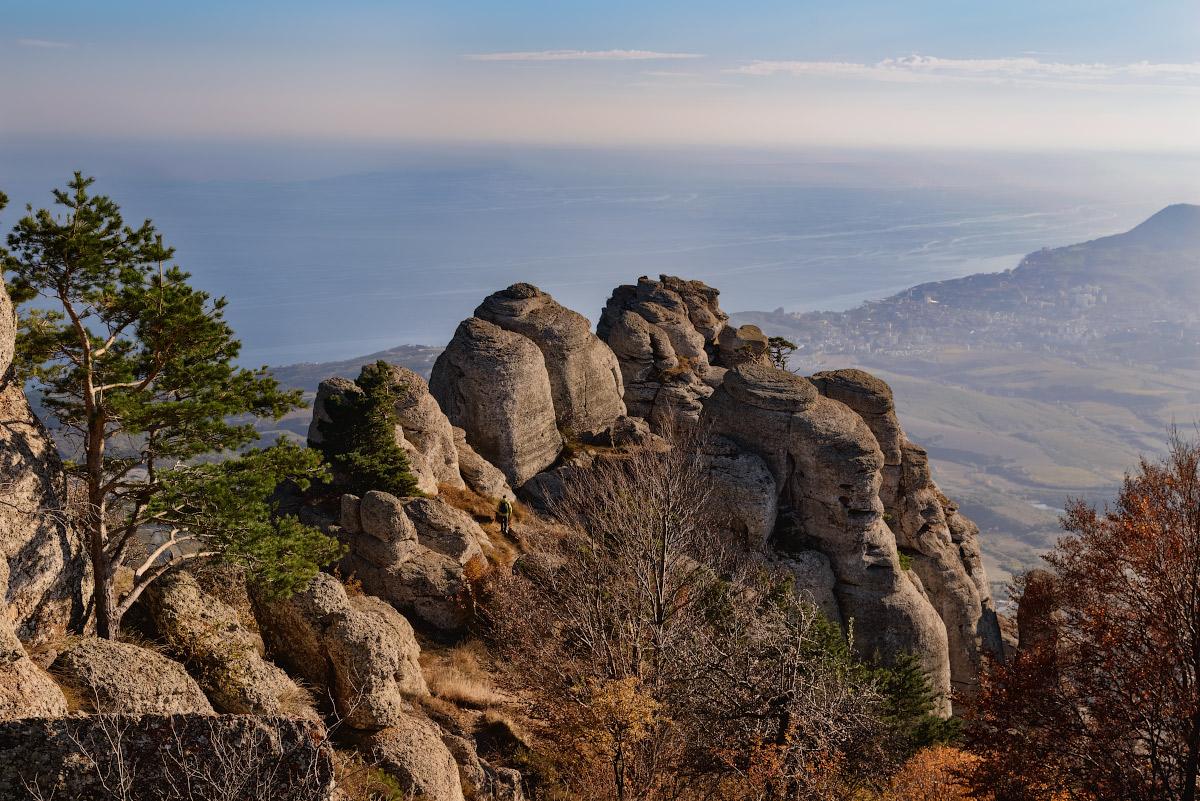 "photo ""***"" tags: travel, nature, landscape, Crimea, Russia, autumn, mountains, sea, sky, tree, демерджи, склоны"