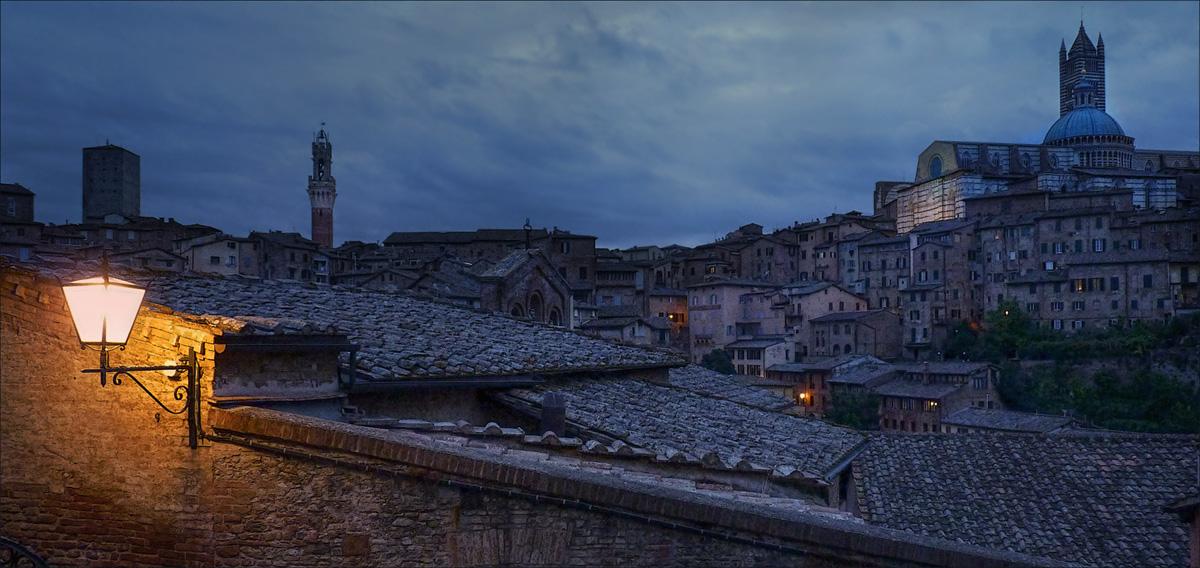 """фото """"Хмурое утро"""" метки: город, архитектура, путешествия, Италия, Сиена, Тоскана, осень"""