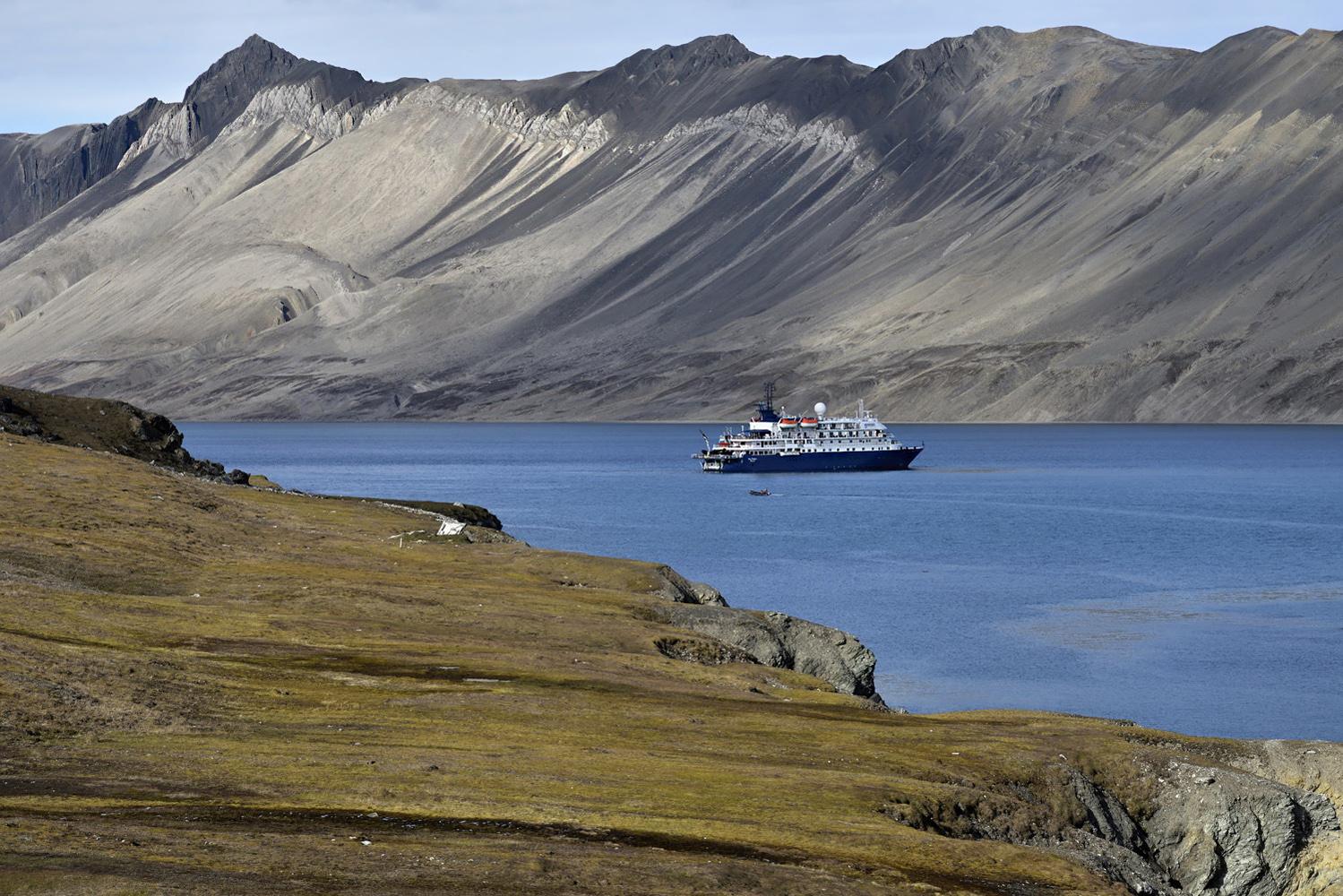 "photo ""***"" tags: travel, landscape, island, mountains, summer, Шпицберген, путешествие"