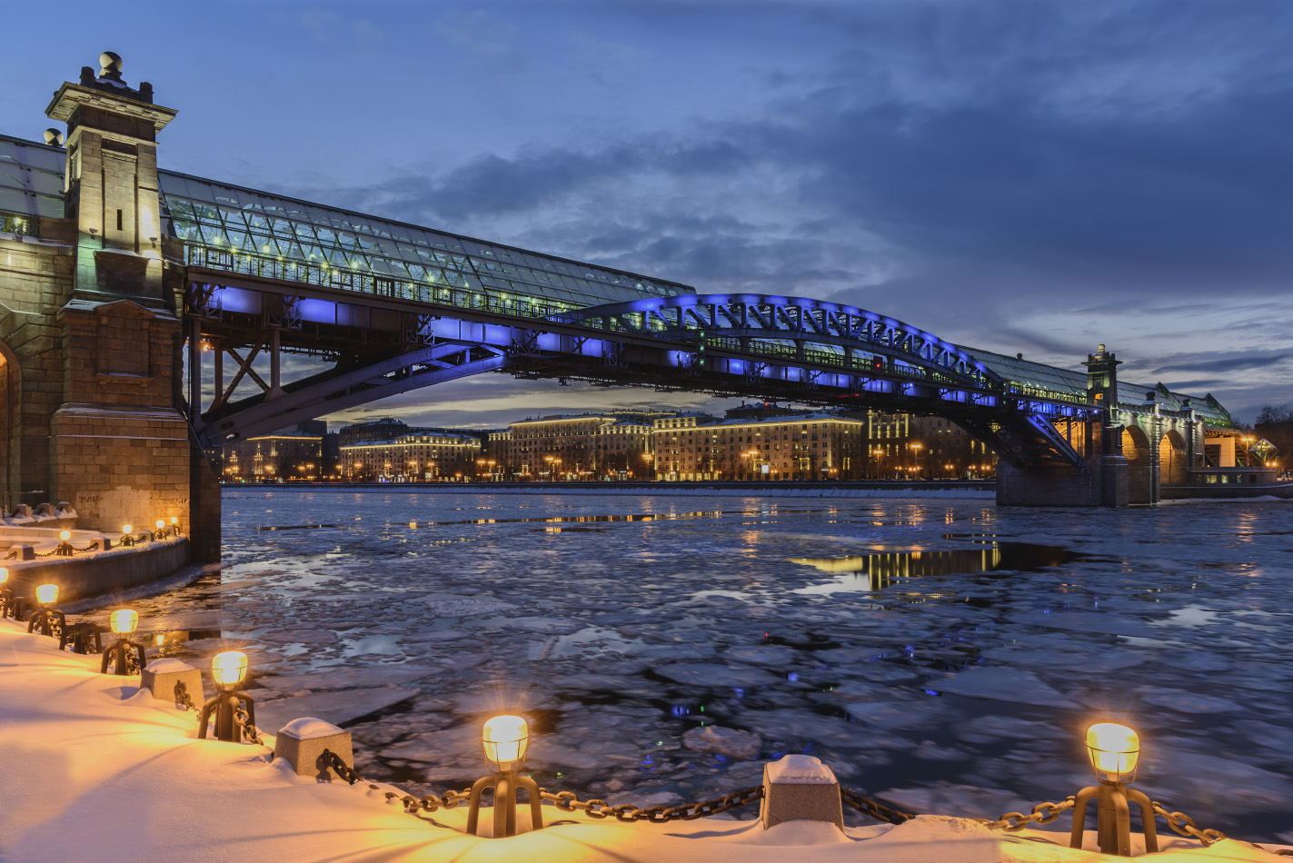 "photo ""***"" tags: architecture, city, Moscow, bridge, evening, river, winter"