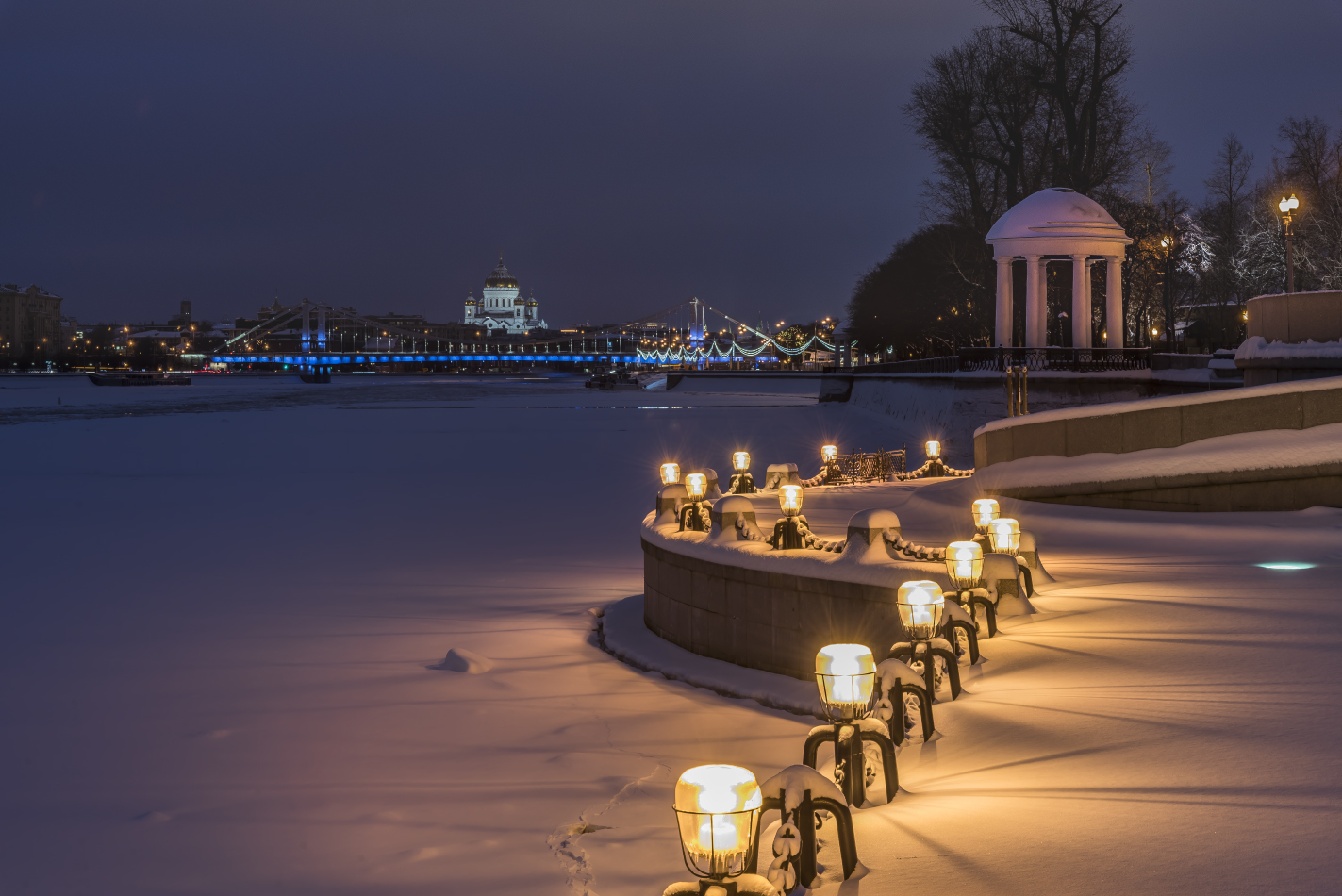 """photo """"***"""" tags: city, architecture, Moscow, evening, river, winter"""