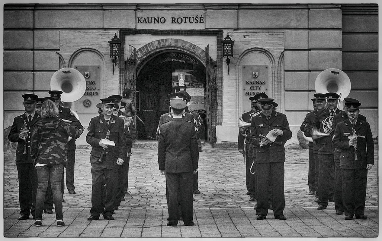 "photo ""The Brass Band and the Muse in Camouflage"" tags: travel, black&white, street,"