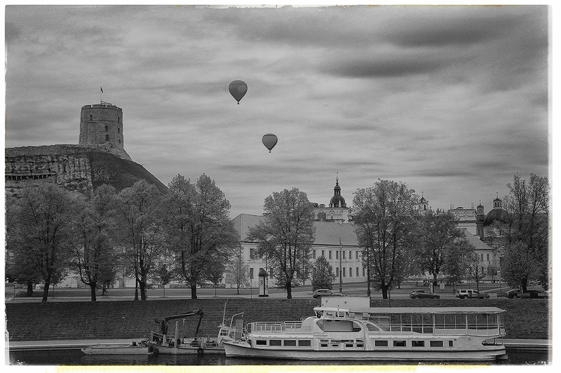 """photo """"Flight in a dream and in reality ..."""" tags: travel, city, Вильнюс"""