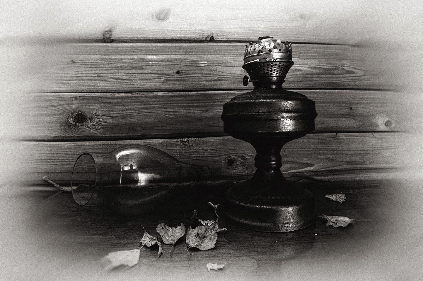 "photo ""***"" tags: black&white, still life,"